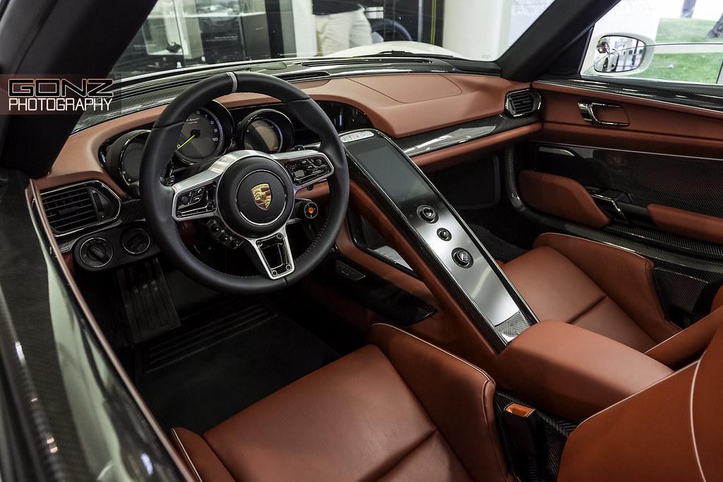 Red Porsche 918 Spyder Interior