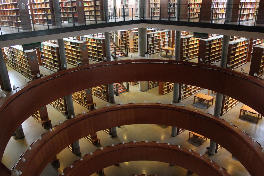 Library biblioteca central de la uned madrid jos for Biblioteca uned madrid