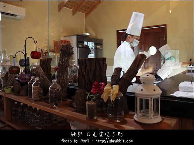 16368692344 ba3fe5979c z - [台中]蝴蝶橋甜點美食莊園Cuisine--小木屋裡頭的甜點好誘人@北屯區 (已歇業)