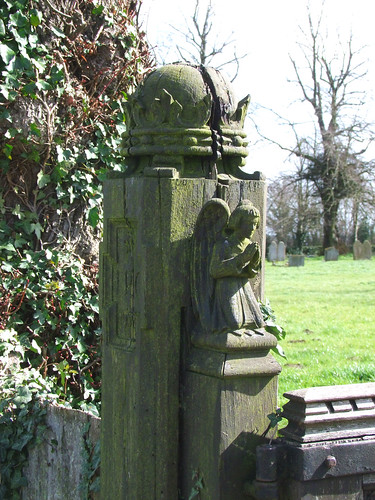 gatepost angel by Munro Cautley | by Simon_K