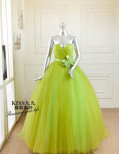 拍照婚紗和宴客禮服怎麼選?讓高雄kiss99婚紗告訴你:宴客用禮服 (3)