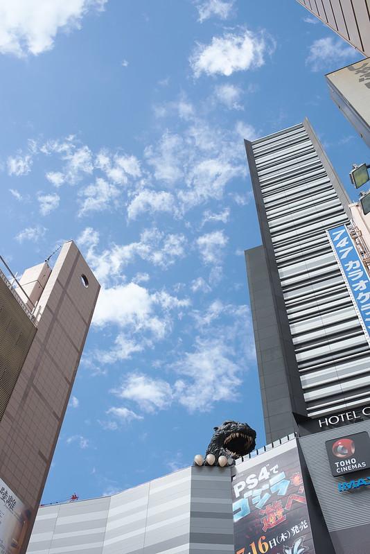 東京路地裏散歩 新宿歌舞伎町のゴジラ 2015年5月4日