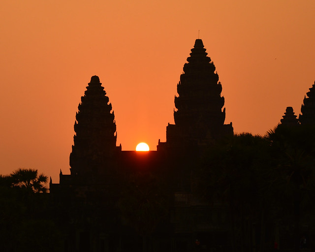 Precioso amanecer en Angkor Wat