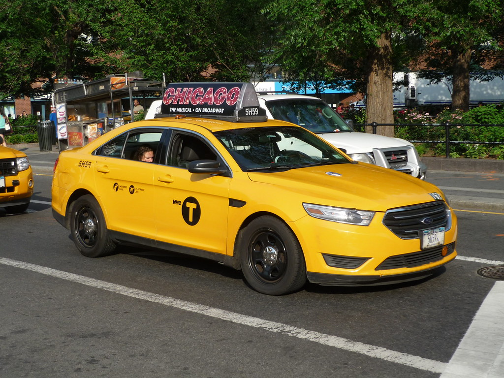 Nyc Taxi Ford Taurus It Is Rare To See The Taurus Doing