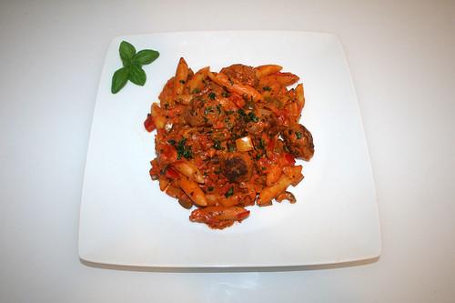 50 - Bell pepper potato noodle fry with meatballs - Served / Paprika-Schupfnudelnpfanne mit Hackbällchen - Serviert