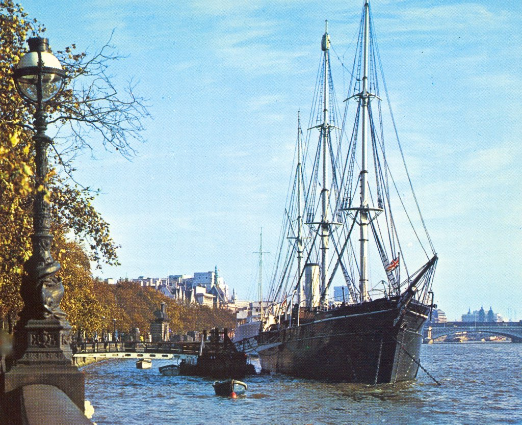 Hms Discovery Victoria Embankment London 1960 S On This Flickr