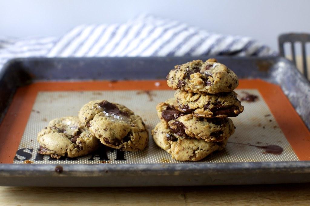 Salted chocolate chunk cookies salted chocolate chunk for Smitten kitchen chocolate chip cookies