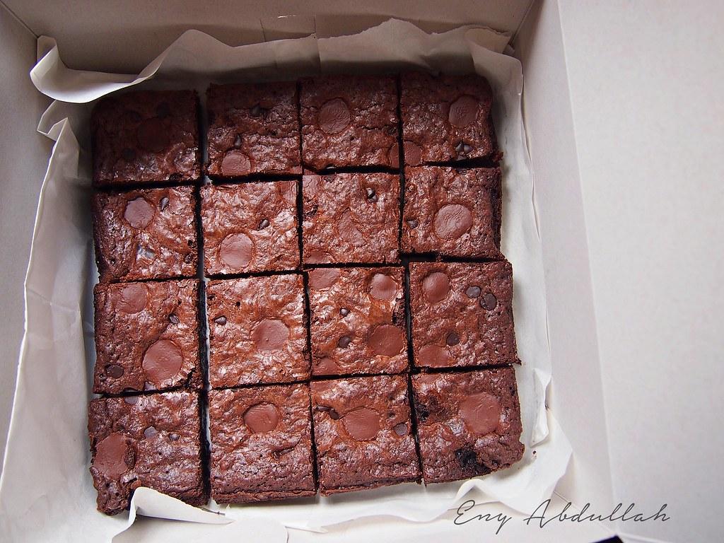 Premium Brownies Coklat Susu RM 30 Sekotak