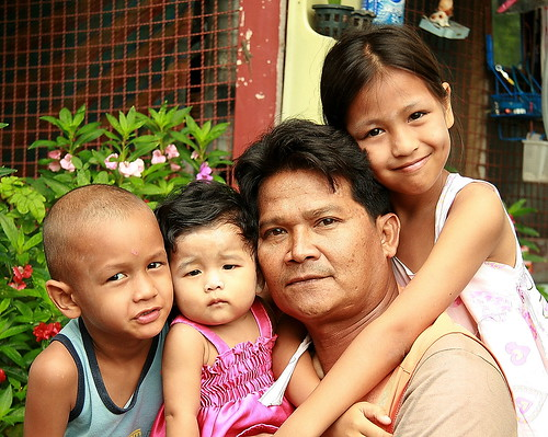 Dad, His Daughters And Friend  The Foreign Photographer -   Flickr-8500