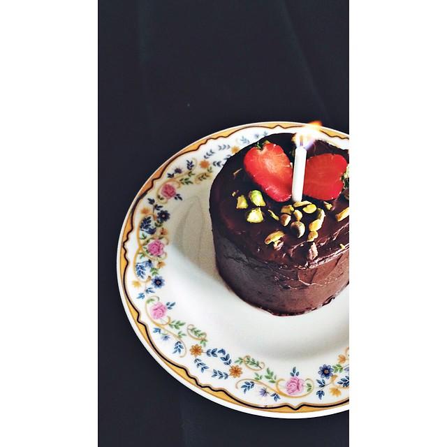 vegan chocolate cake for two w/chocolate buttercream