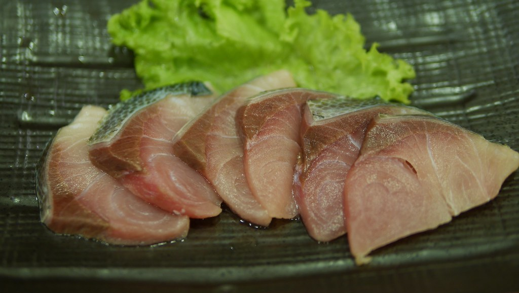 Hamachi slices