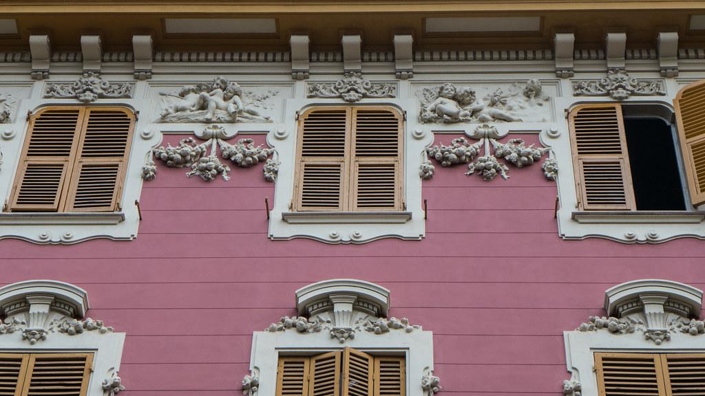Palazzo liberty 1905 decori alle finestre chiavari ge renagrisa flickr - Finestre liberty ...