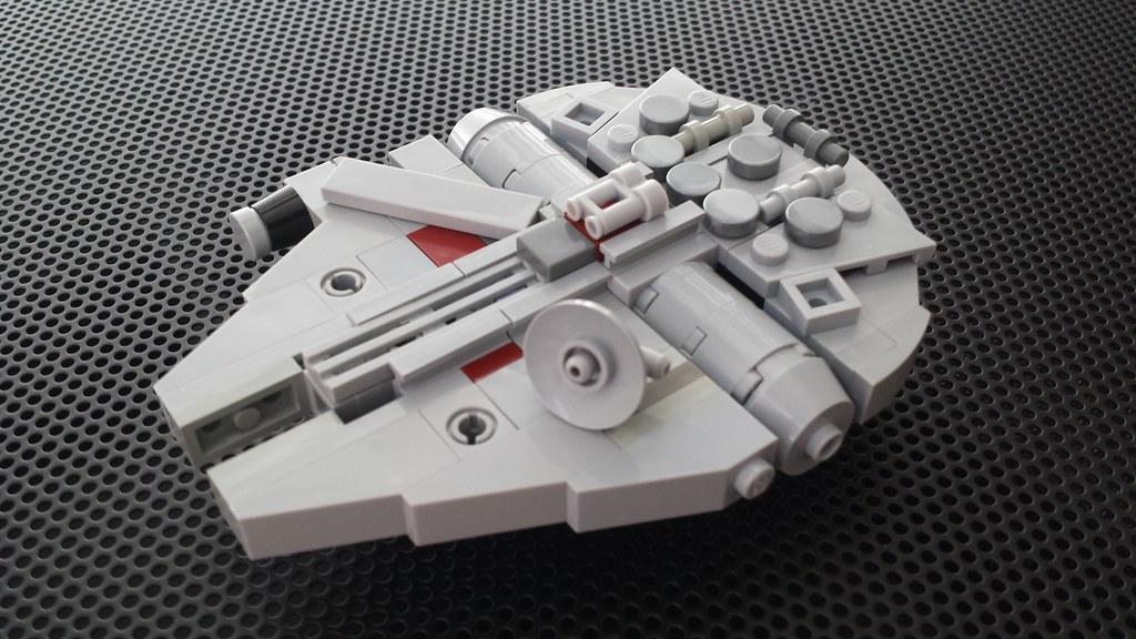 LEGO Mini Meta Millennium Falcon | MINI: This is 10.5 cm ...