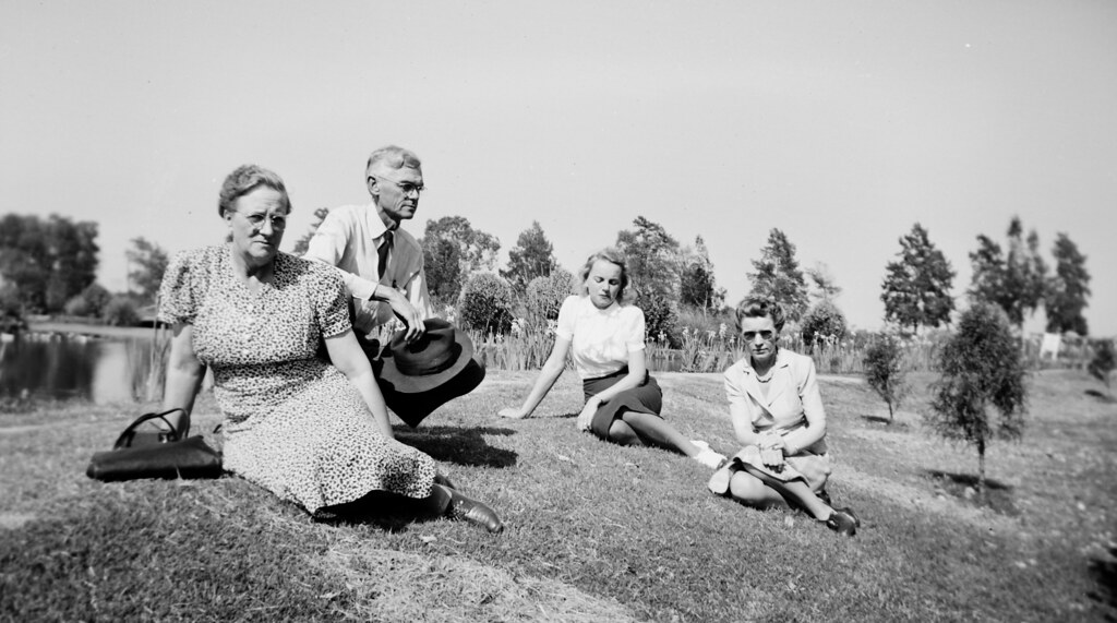 Reading By Lake >> Walter and Cordelia Knott with daughters at the lake, Knot… | Flickr