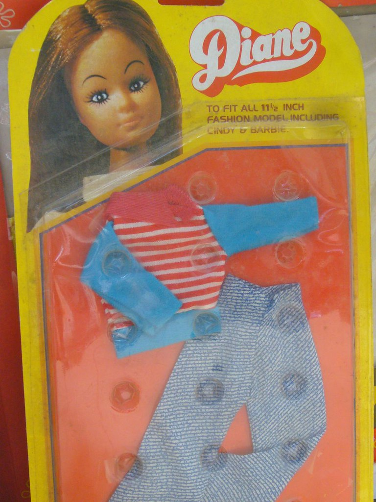 The Frank Beech retro toy shop - Diane Fashion Doll accessories