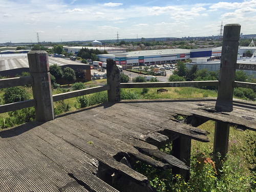 Beckton Alps | by diamond geezer