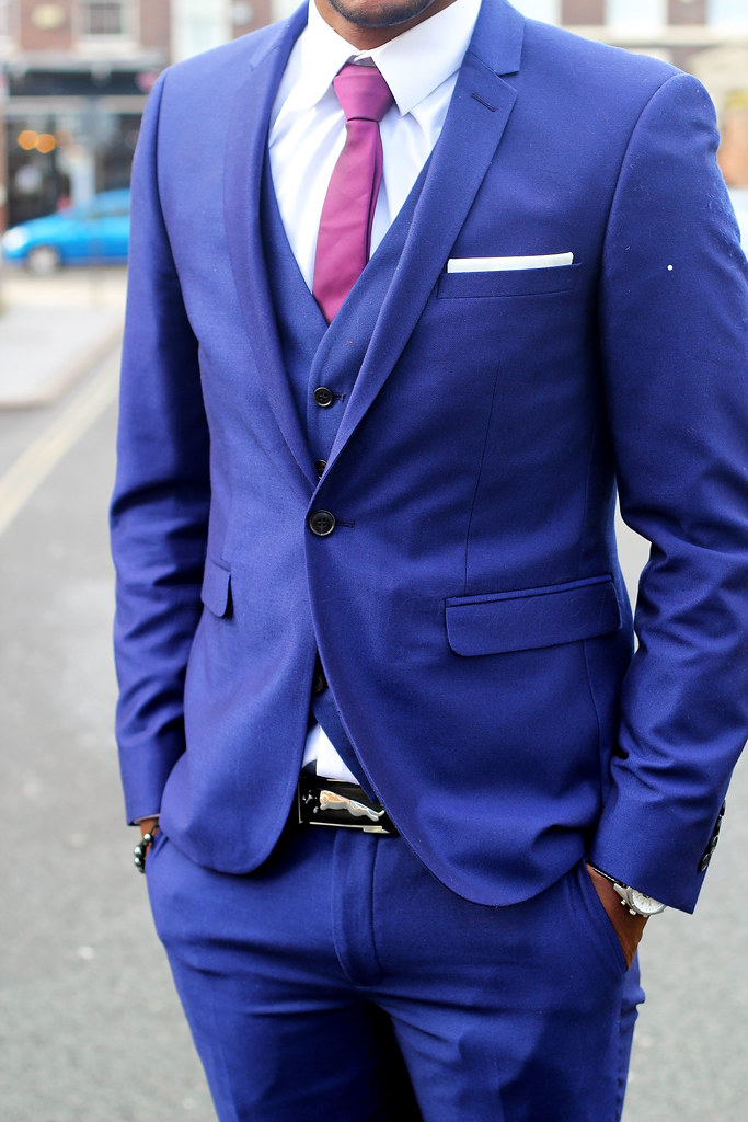 blue-three-piece-suit, Men's blue suits, navy blue suit, dark blue suit, light blue suit, how to wear a blue suit, how to style a blue suit, men's blue suit