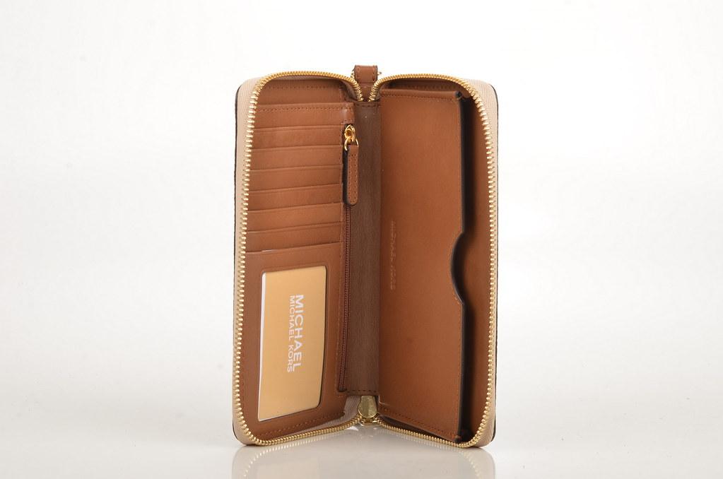 ... Michael Kors Paisley Jet Set Travel LG Multifunction Phone Purse  Geldbörse Handycase Kalbsleder Braun (luggage