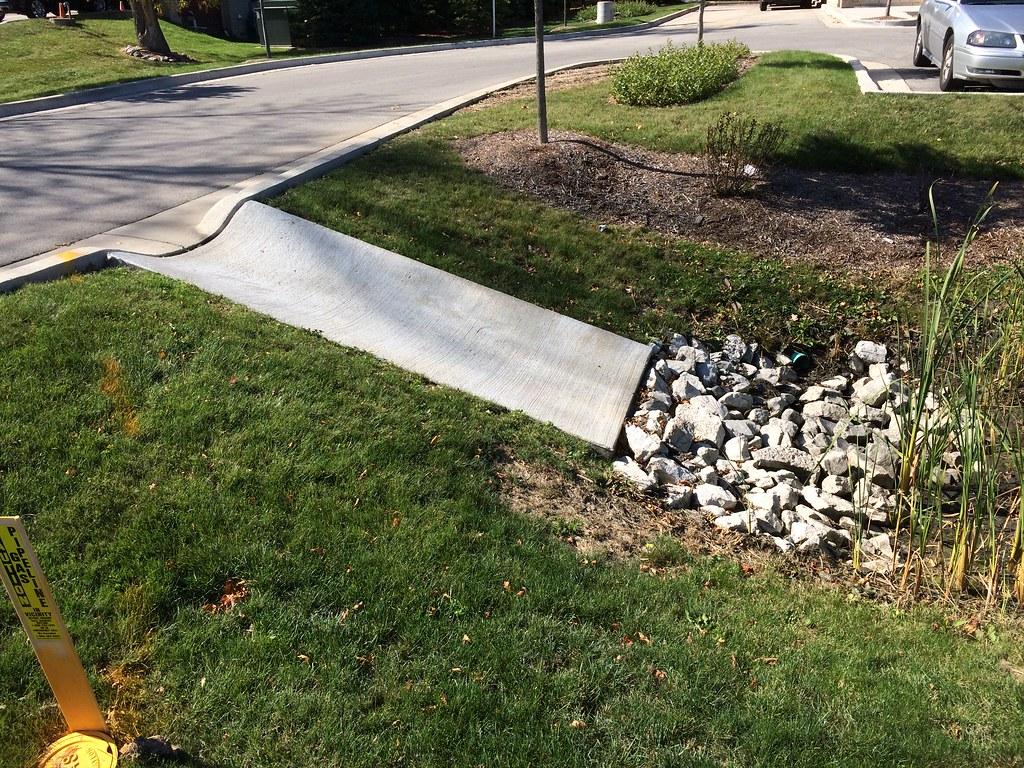 2014 10 10 Southconcapron A Concrete Apron Flume For