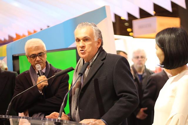 Juca Ferreira (Ministre de la Culture du Brésil) et Fleur Pellerin - Salon du Livre de Paris 2015