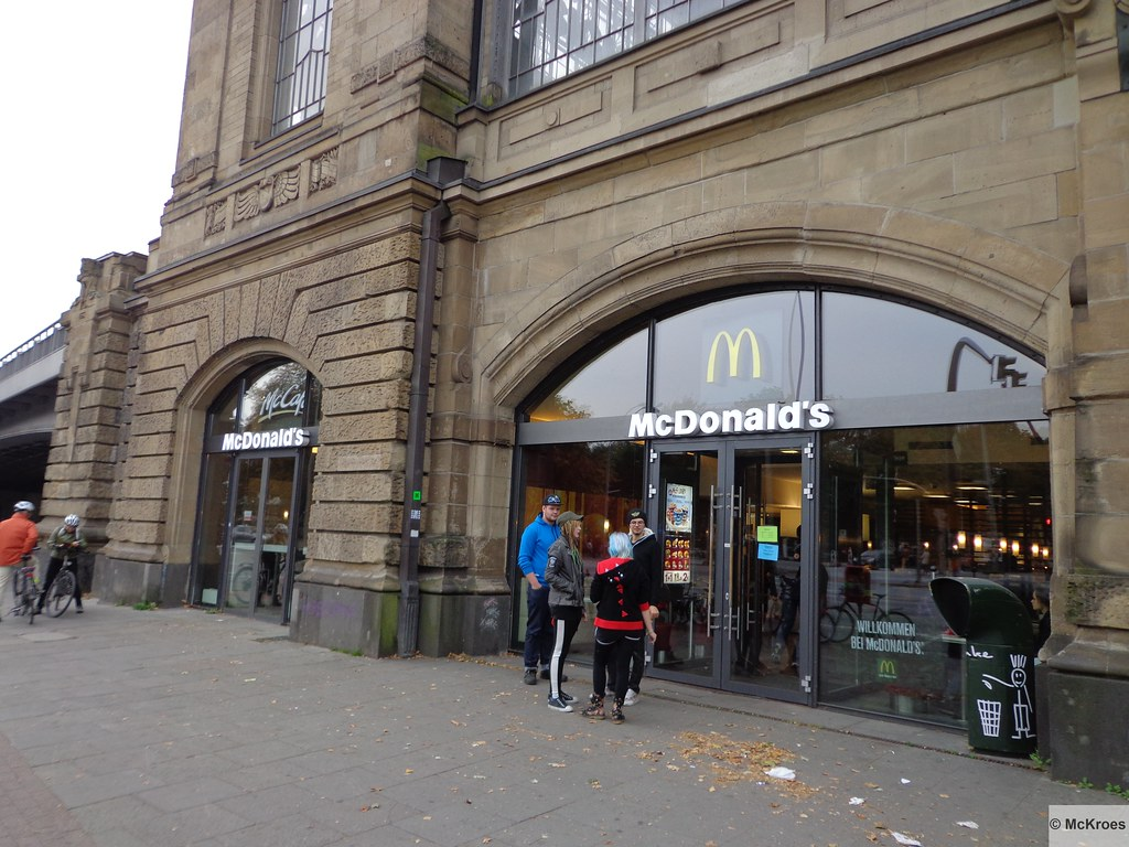 mcdonald 39 s hamburg bahnhof messe theodor heuss platz 3 ge flickr. Black Bedroom Furniture Sets. Home Design Ideas
