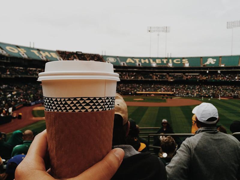 sunday funday × los a's, cafecito y béisbol. LGO