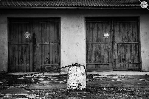 Garage garage nikon d800 50mm f 1 4 saint etienne for Garage saint etienne