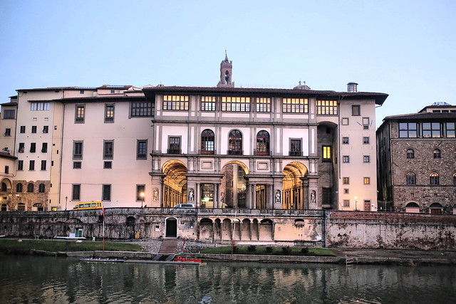 Img 6263a italie florence le palais des offices au bord de l 39 arno flickr photo sharing - Palais des offices florence ...