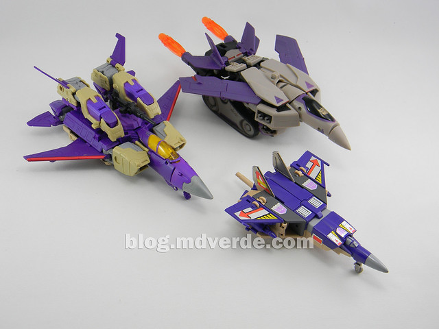 Transformers Blitzwing Voyager - Generations - modo Jet vs G1 vs Animated