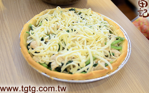 田記鮮雞精-雞肉鹹派-放起司1