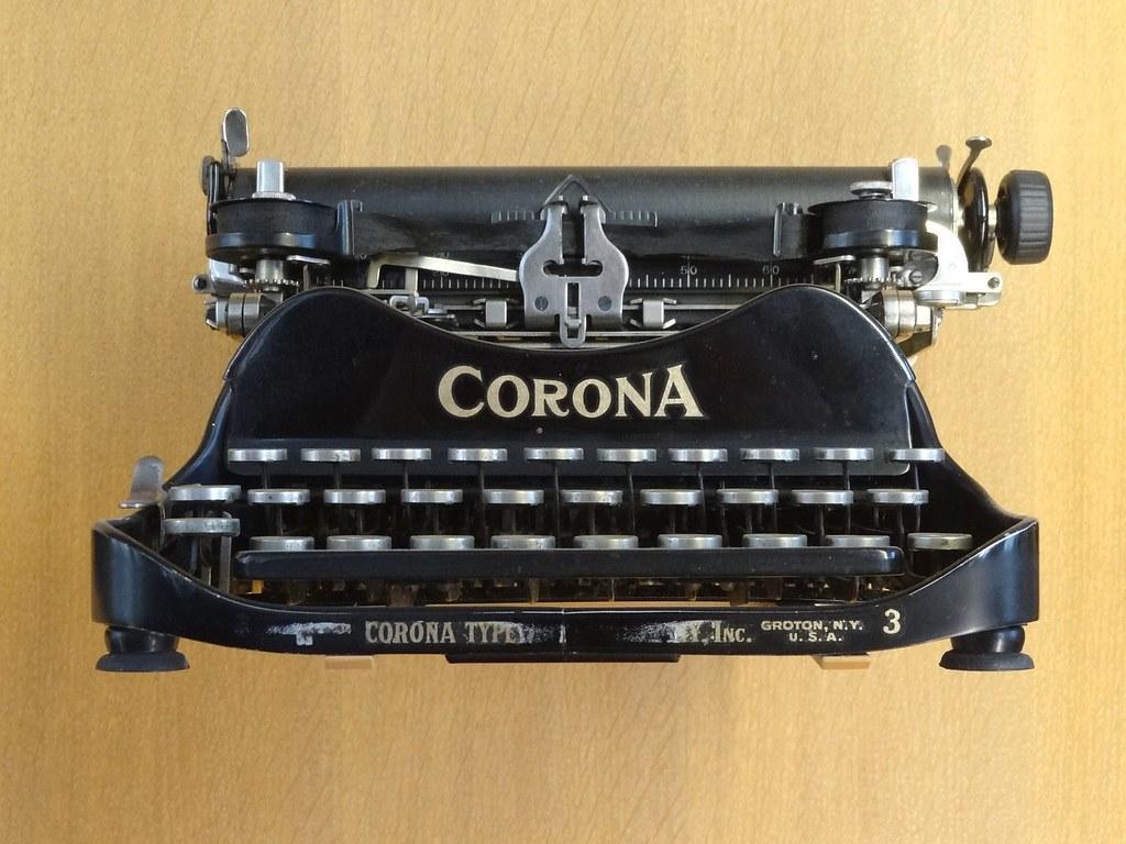 machine crire 1920 machine crire portable corona flickr. Black Bedroom Furniture Sets. Home Design Ideas