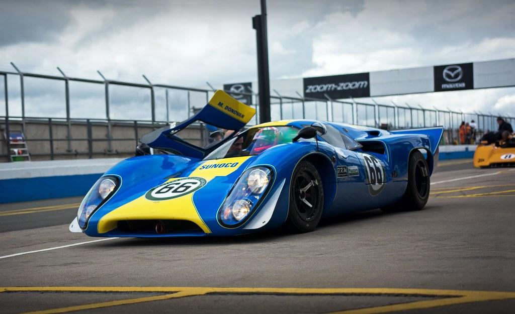 Mike Donovan 1969 Sunoco Lola T70 Mk3b 2016 Donington