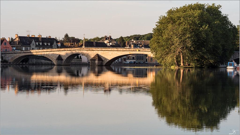 Balade à Villeneuve sur Yonne 28317813694_f91a118f78_b