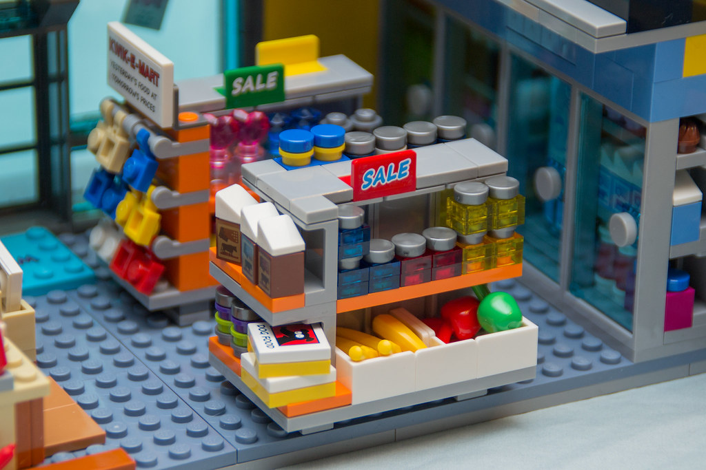Lego 71016 simpsons kwik e mart read the review over at to
