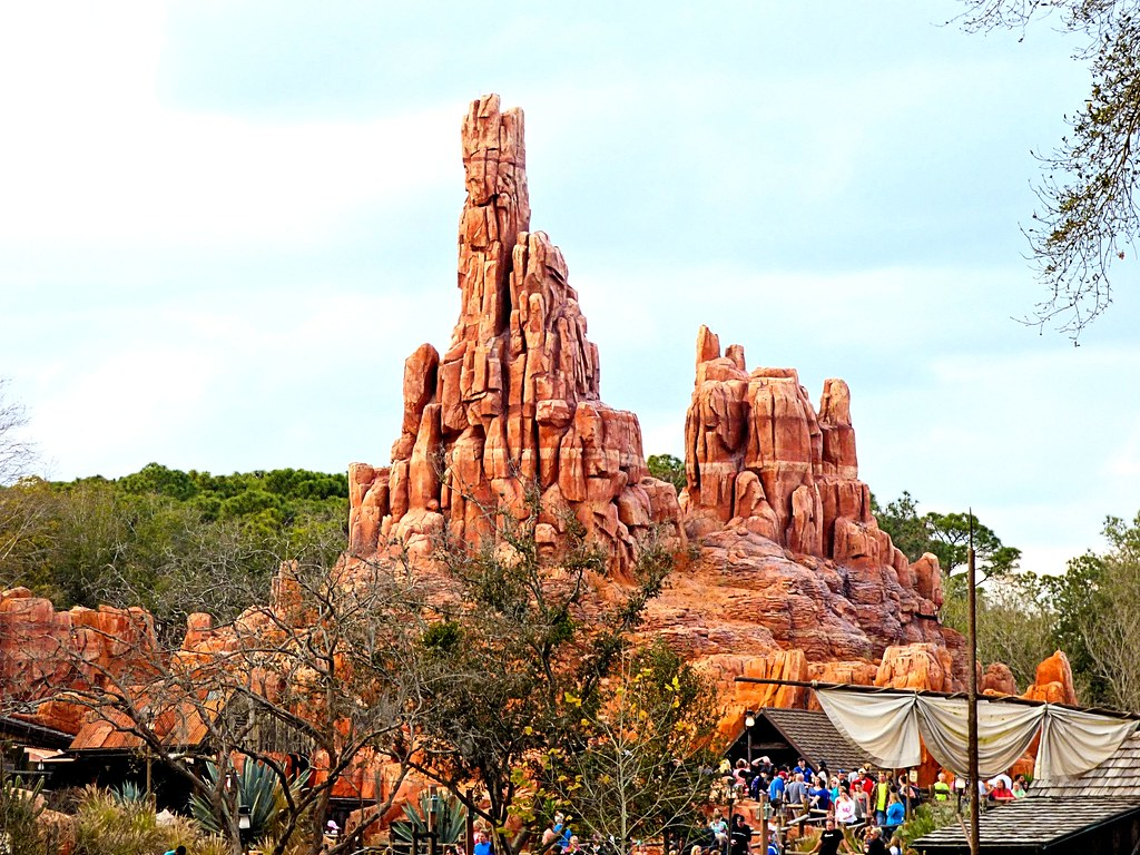 disney world magic kingdom thunder mountain fastpass