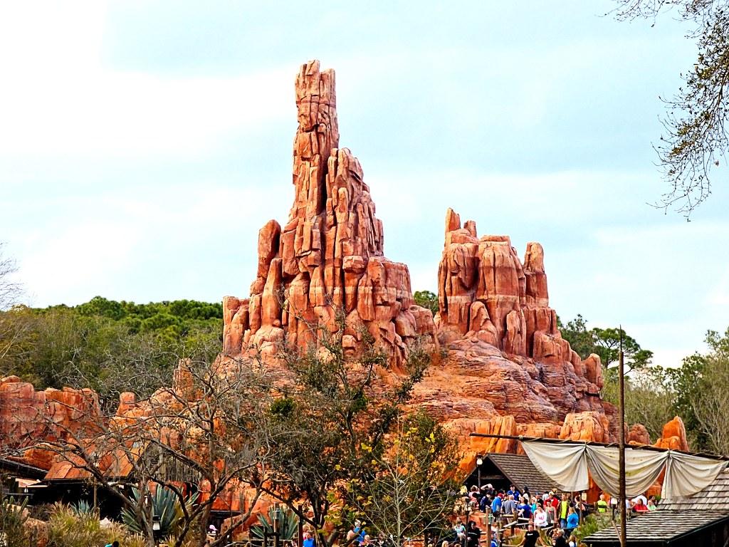 disney world magic kingdom thunder mountain fastpass