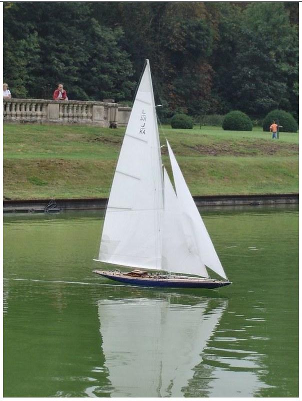 Endeavour sailboat model 17213184775_826f2afd3a_c
