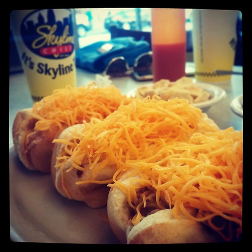 Delicious @SkylineChili cheese coneys for lunch with @genmae5...