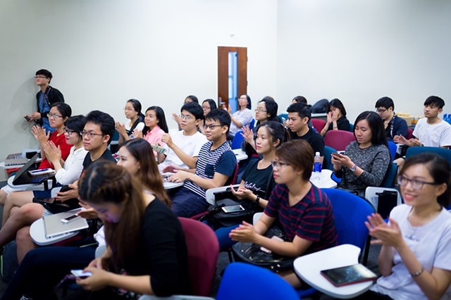 RMIT Vietnam students appreciate the sharing from the speakers.