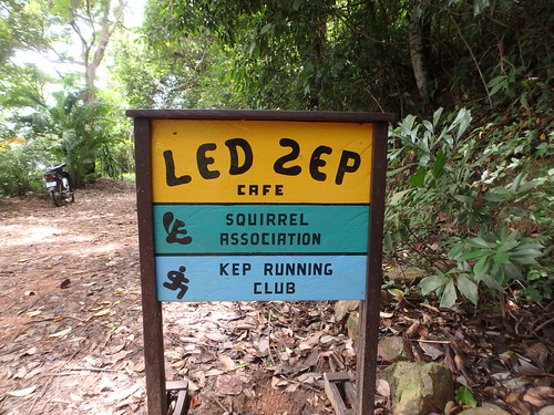 led-zep-cafe-1