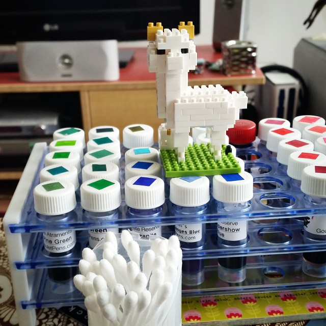 Little nano alpaca is helping with the sampling #inksampler #inkygoodness #fountainpenink #inkventory #fpgeeks #nanoblock #alpaca #inkswab