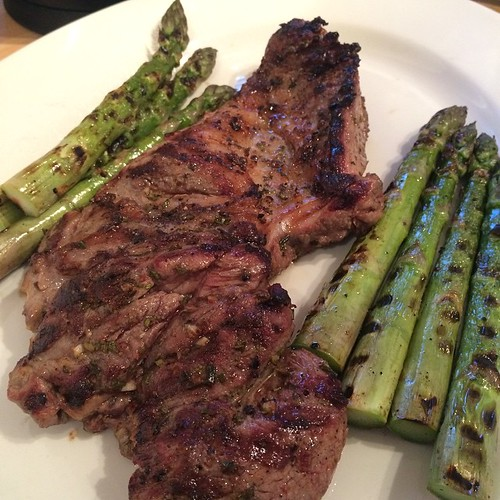 Butterflied leg of lamb with grilled asparagus. | adactio ...