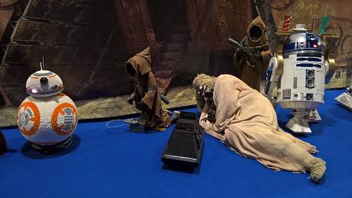 Tuskan Raider lying down on the Job