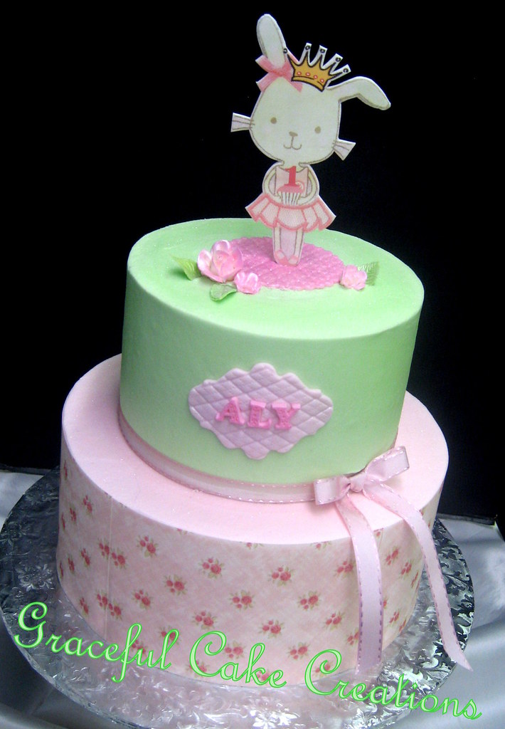 Very Girly 1st Birthday Cake With A Mint Green And Pink Gi Flickr