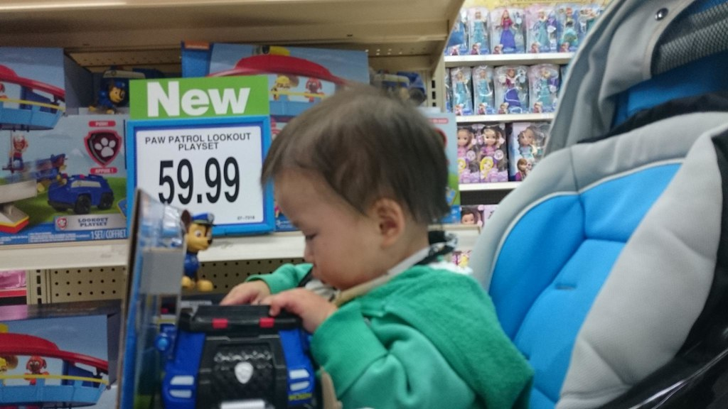 Liam playing with paw patrol at toys 39 r 39 us chadstone flickr for Cuisinette toys r us