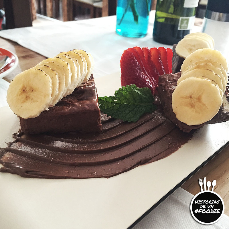 Marquesa de Nutella (tarta de galletas con chocolate, mousse de nutella y plátano caramelizado)