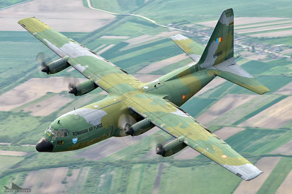 RoAF C130 Hercules in zbor 17376167489_700d11e455_b