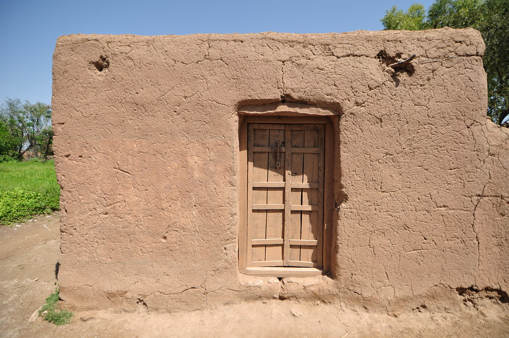 Mud house kanhatti village soan valley asif saeed flickr for Mud house design