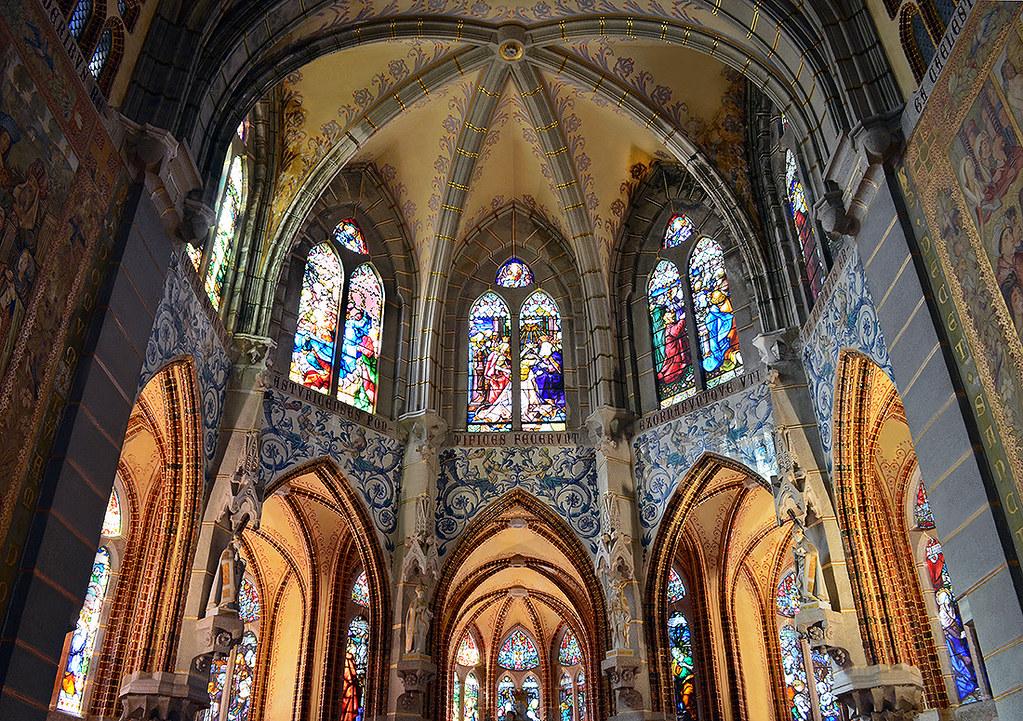 Resultado de imagen de palacio de gaudí astorga interior