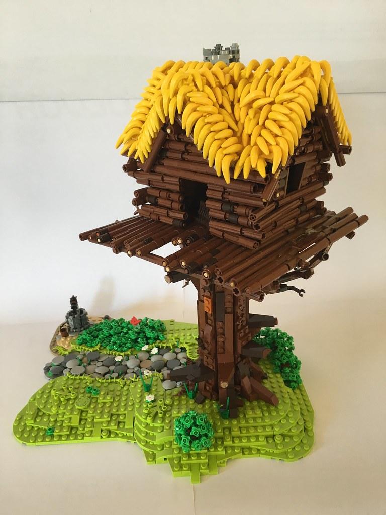 Maison d 39 assurancetourix alego alego flickr for Modele maison lego classic